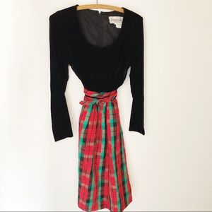 Vintage black velvet tartan plaid holiday dress M